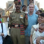 Jan with an Indian border guard (afterward the ceremony)
